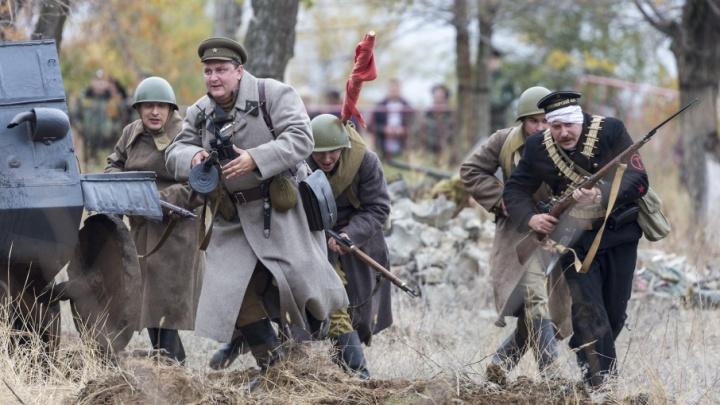 В Волгограде освободили от немцев руины военного городка бывшего Качинского училища