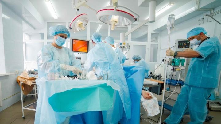 Ишимские хирурги прооперировали женщину с опухолью, которая по размерам соответствовала 19 неделям беременности