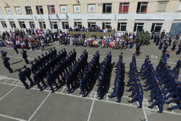 Внутренний парад войск в 183-м учебном центре Минобороны РФ