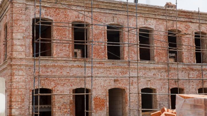 В Тюмени восстанавливают здание Текутьевской больницы