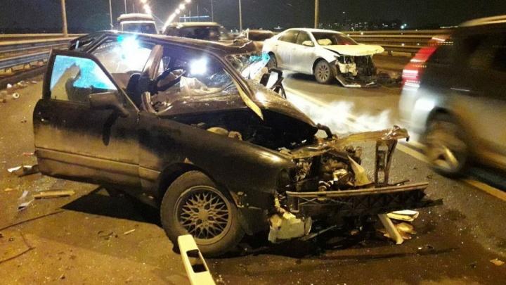 Водителя, устроившего смертельное ДТП на Октябрьском мосту, не стали арестовывать