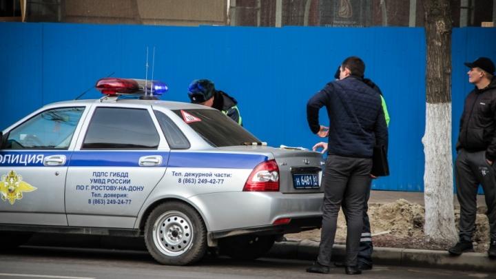 Вымогали деньги у продавцов: на Дону задержали мошенников, замаскировавшихся под полицейских