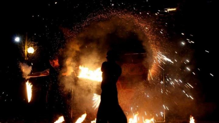 Волгоградцы на ходулях зажгут «Огни осени»
