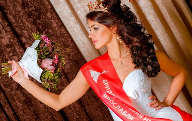 Светлана Топчиева стала самой красивой невестой Ярославля: фото