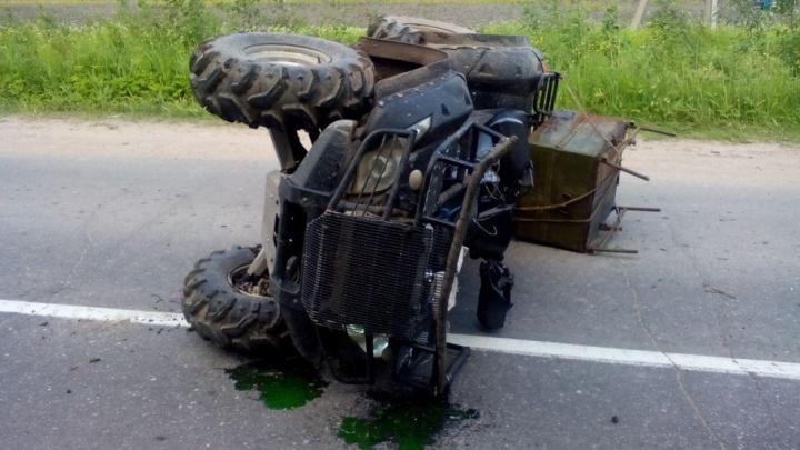 В Плесецком районе болотоход перевернулся на дороге