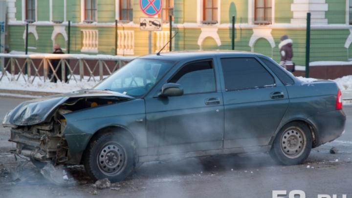 В Перми осудили водителя, из-за которого в аварии с автобусом и легковушкой погиб человек