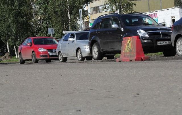 За выходные в Архангельске отремонтировали 2600 квадратов дорог