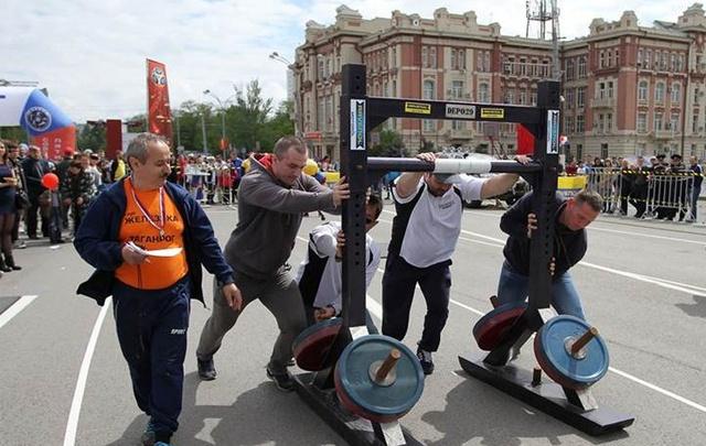 Скакалки, эстафеты, велосипеды: Ростов встретит 1 Мая со спортивным размахом