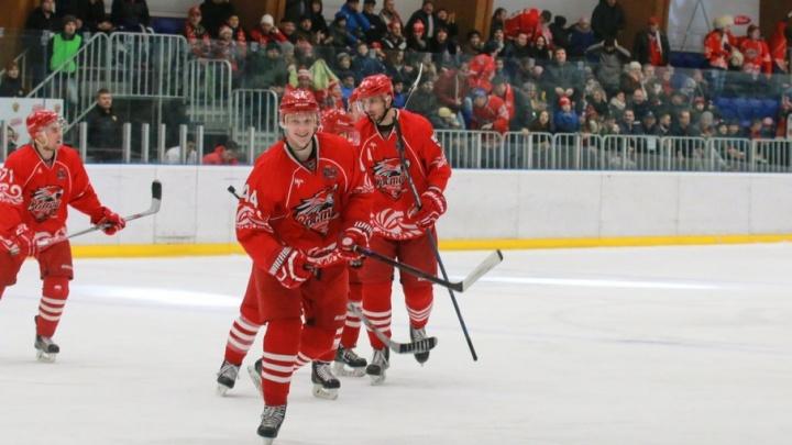 Проявили характер: донские хоккеисты одержали победу, уступая по ходу матча три шайбы