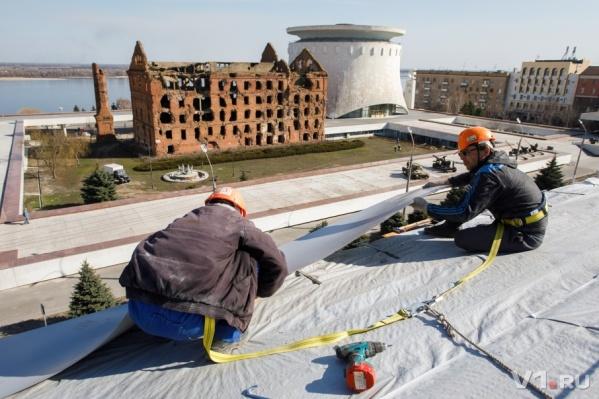 Рабочие обещают закончить с ремонтом крыши до конца мая