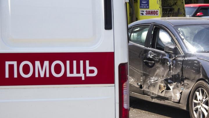В ДТП на трассе в Ростовской области пострадали пять человек, трое из них – дети