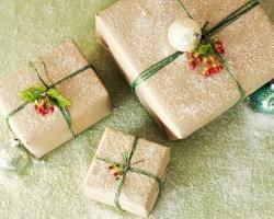 В English First начали раздавать рождественские подарки