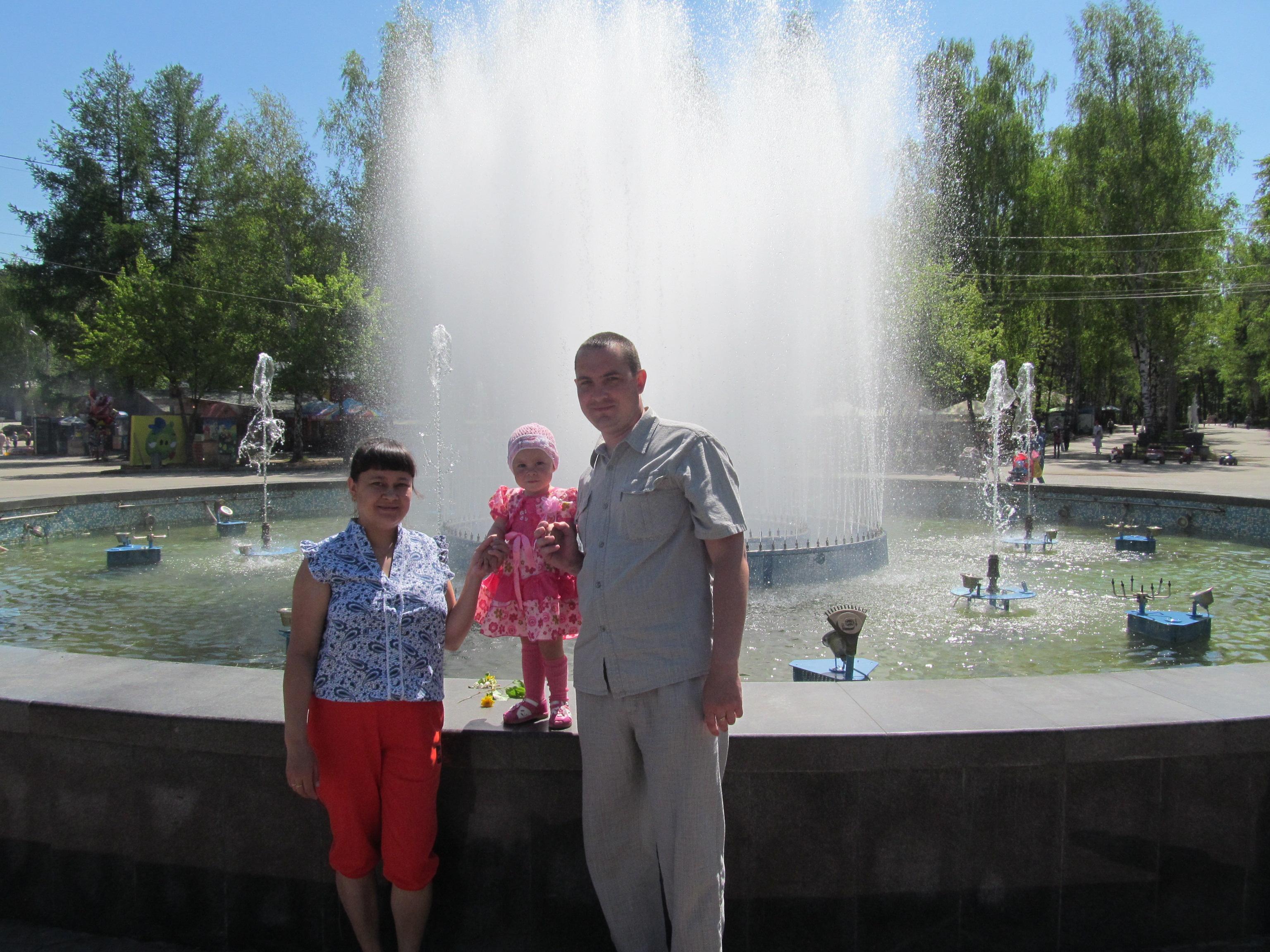 Сергей мечтает, что когда-нибудь ему удастся построить дом для всей семьи