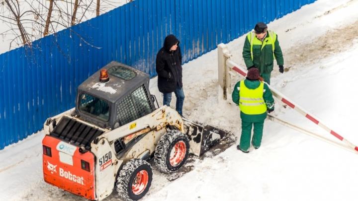16 управляющих компаний Тольятти отчитали за горы снега и мусора во дворах