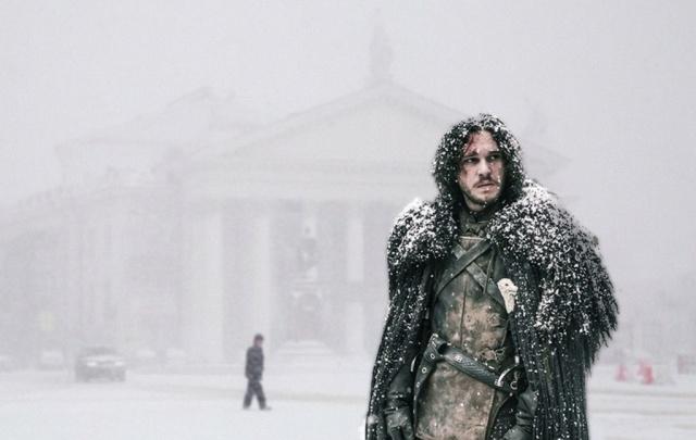 По улицам Волгограда летают драконы, а зимой мерзнет даже Джон Сноу