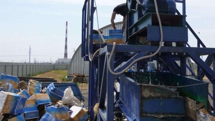 Под Волгоградом уничтожили почти пять тысяч бутылок алкоголя