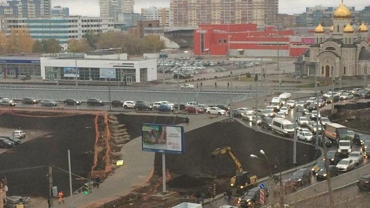 Съезд с кольца на Московском/Кирова сделали узким для безопасности автомобилистов