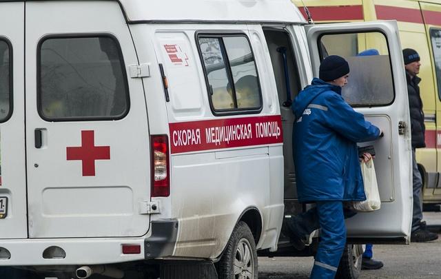 В Ростове «Ока» врезалась в трактор: двое в больнице