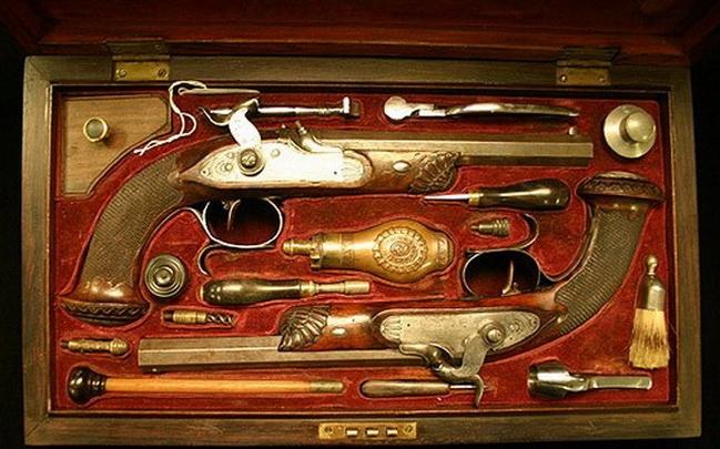 Волгоградцев не пустят посмотреть на музейное оружие без паспорта