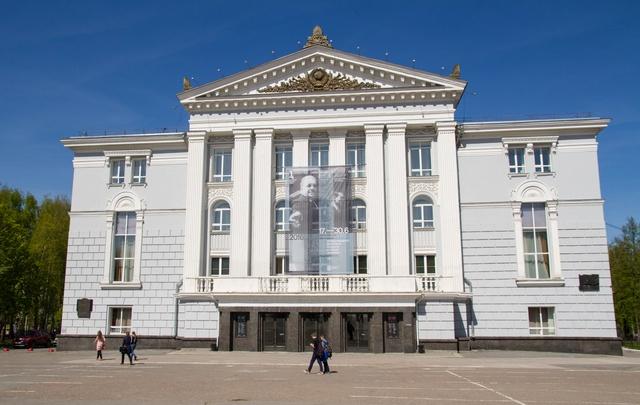 За полтора года пермяки пожертвовали театру оперы и балета 145 700 рублей