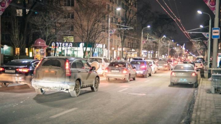 На двух ростовских перекрестках изменят схему движения