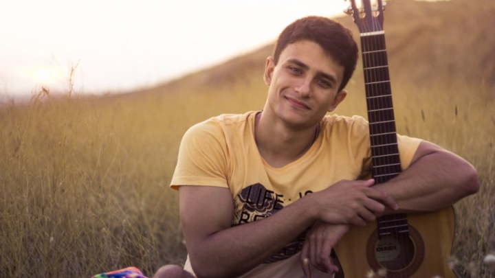 Студент ВолГУ взял три титула на конкурсе «Мистер Студенчество России»
