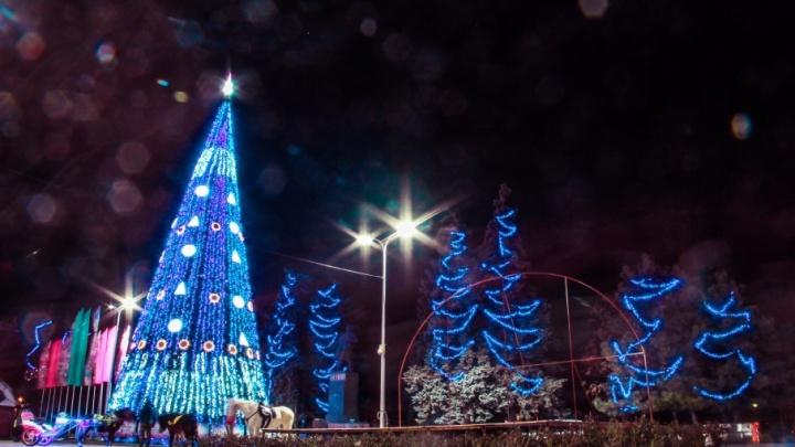 Игрушки не выбросят: новогодние украшения Ростова планируют использовать и в следующем году