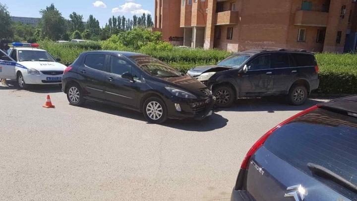 В Красноармейском районе Волгограда в ДТП пострадала четырехлетняя девочка