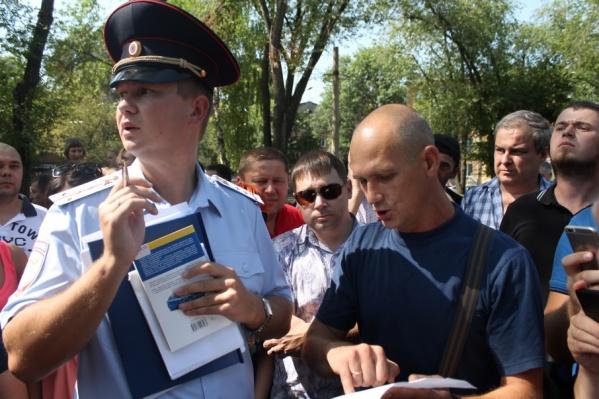 Сотрудники ГИБДД поговорили с автомобилистами на спорном месте