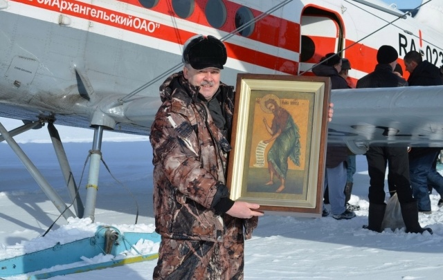 Старинная икона Иоанна Крестителя вернулась в храм деревни Приморского района