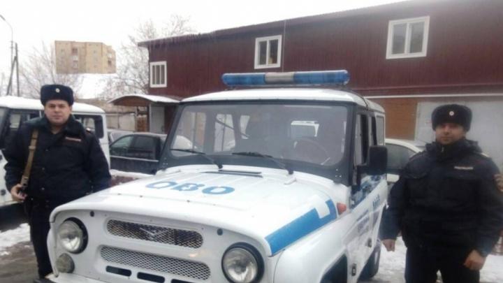В Тюмени сотрудники Росгвардии поймали парочку с 40 свертками «соли» и тетрадью учета закладок
