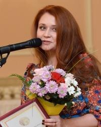 Лена Колесникова награждена медалью «Спешите делать добро»