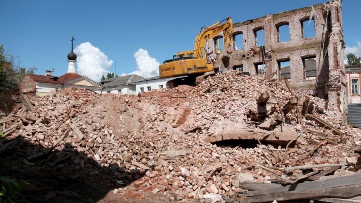 В центре Рыбинска из руин восстановят старинное здание