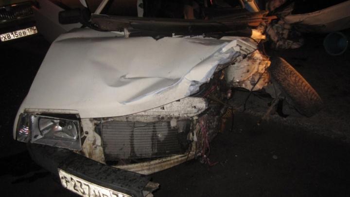 В столкновении двух ВАЗов на южноуральской трассе погиб человек