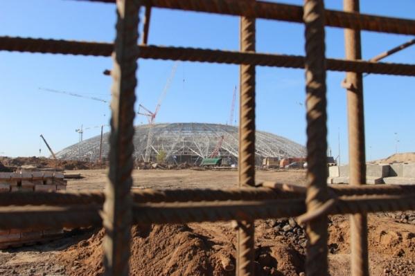 Сам стадион достроят до конца года