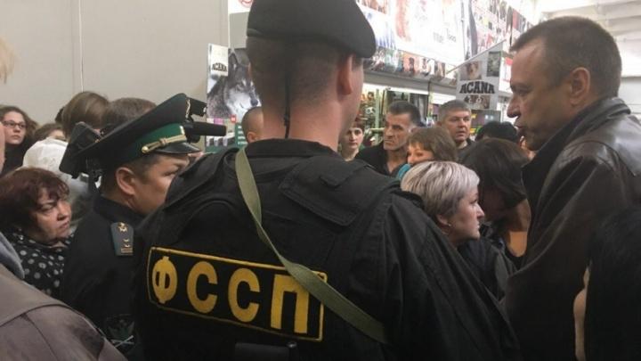 Судебные приставы закрыли торговый центр «На Минской»