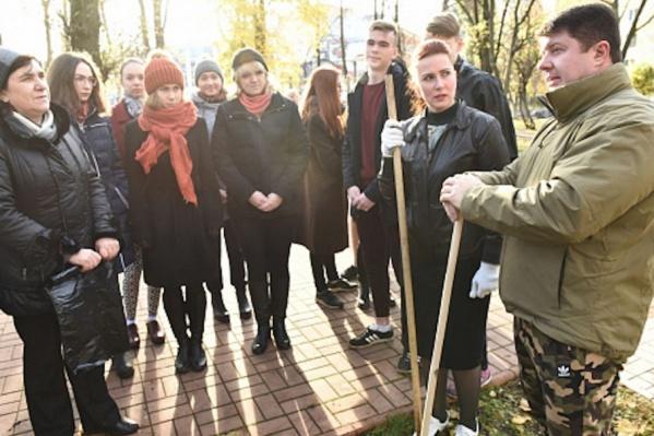 Владимир Слепцов тоже вооружился граблями