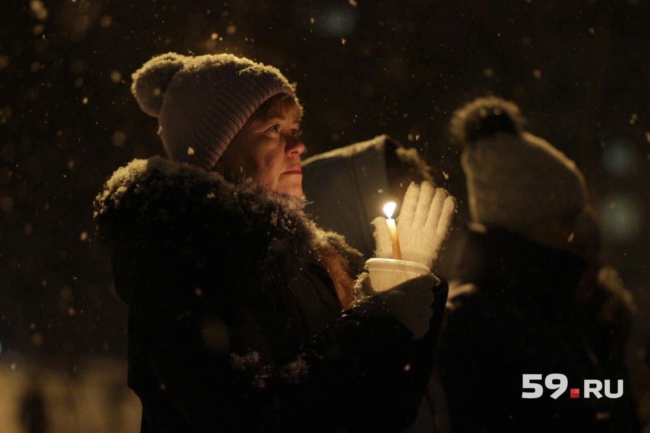 И свечи