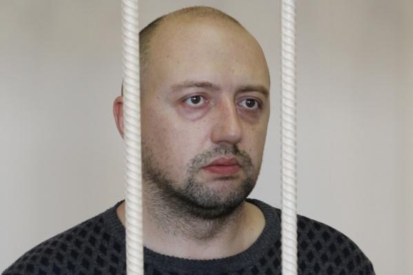Сейчас Олег Бехтерев под подпиской о невыезде и лечится по месту прописки – в Нязепетровске