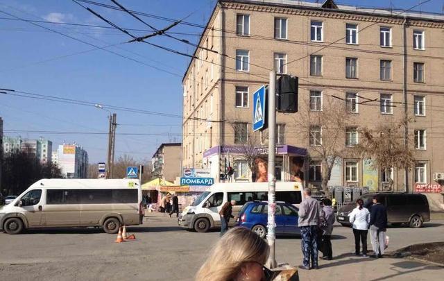 Водитель ВАЗа сбил челябинку с коляской