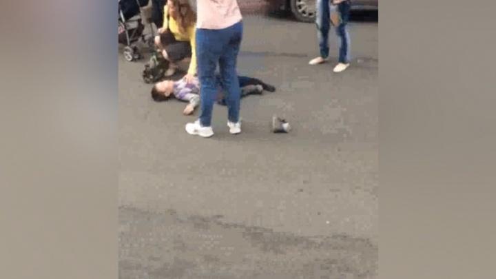 На улице Бажова водитель маршрутки сбил ребёнка