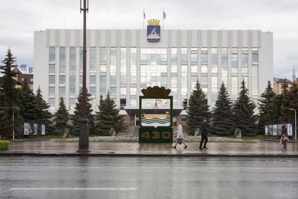 Чтобы жить по соседству с властью, необходимо иметь как минимум 20 миллионов рублей