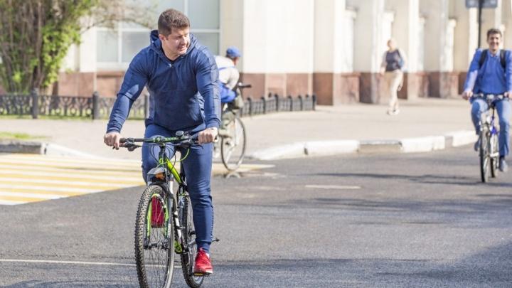 Владимир Слепцов подарит велосипед одному ярославцу