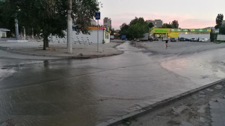В Волгограде ликвидировали затопившую Тракторный рынок аварию