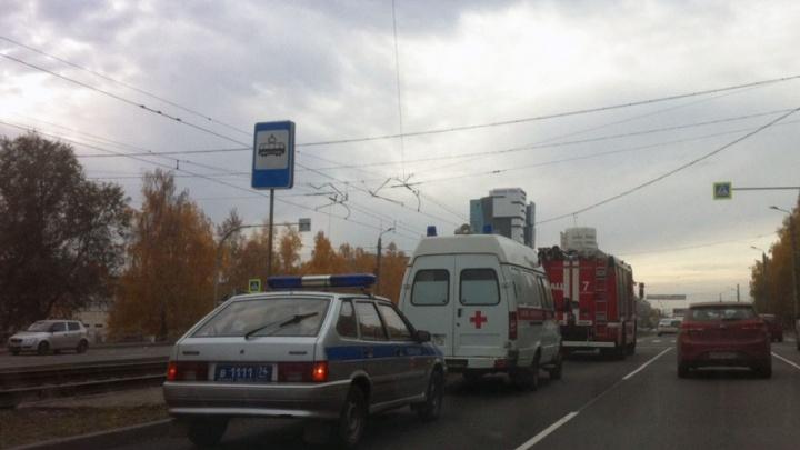 Опасность теракта: в Челябинске остановили движение трамваев из-за подозрительной сумки