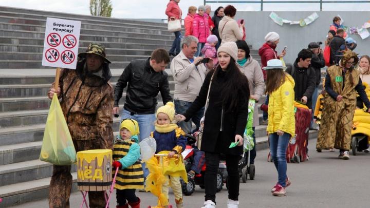 Рыбинские мамы устроили парад колясок: фото