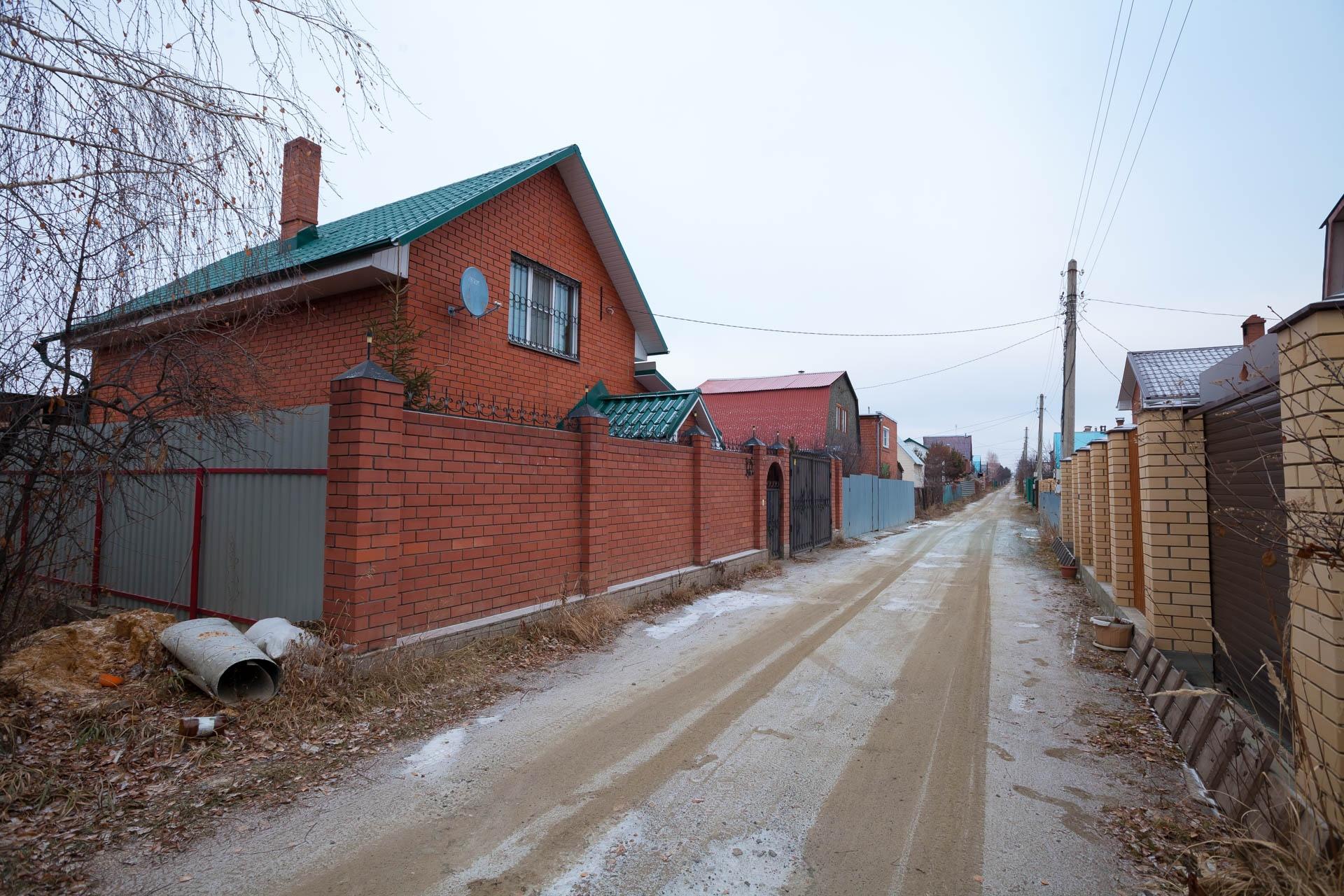 В некоторых домах в «Петушке» семьи живут круглый год, но и они по проекту идут под снос