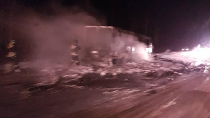 На рыбинской трассе дотла сгорел междугородний автобус, следовавший из Ярославля