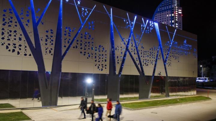 На новый музей «Россия — моя история» посмотрели свысока