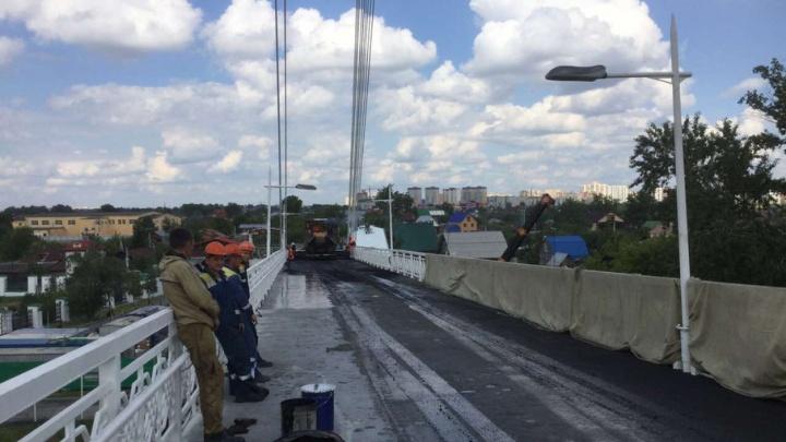Мост влюбленных на три дня закрыли для пешеходов
